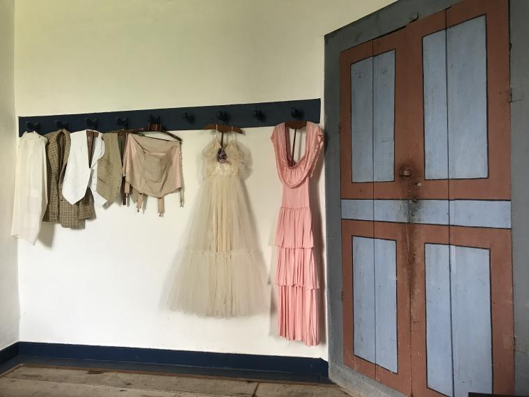 Preservação e conservação do vestuário do século XIX - roupas íntimas, vestidos e roupas de dormir
