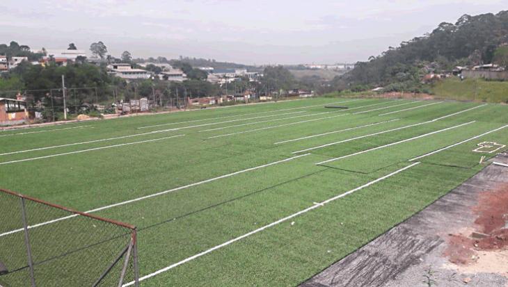Mais um campo de grama sintética na Cidade Tiradentes