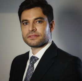 Dr. Gustavo Limongi