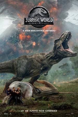 Jurassic World: Reino Ameaçado Três anos após o fechamento do Jurassic Park, um vulcão prestes a entrar em erupção põe em risco a vida na ilha Nublar. No local não há mais qualquer presença humana, com os dinossauros vivendo livremente. Diante da situação, é preciso tomar uma decisão: deve-se retornar à ilha para salvar os animais ou abandoná-los para uma nova extinção? Decidida a resgatá-los, Claire (Bryce Dallas Howard) convoca Owen (Chris Pratt) a retornar à ilha com ela.