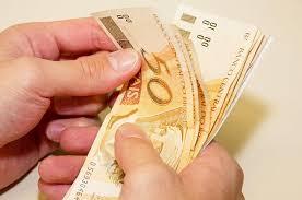 Valores pagos a mais devem ser restituídos ou compensados