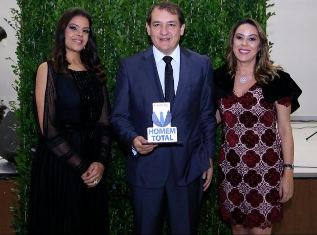 Deputado Federal Renato Andrade recebe prêmio em Piumhi
