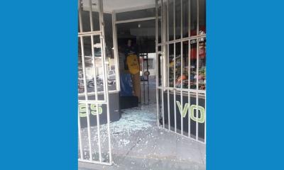 Uma loja de artigos esportivos foi arrombada durante a madrugada (Foto enviada via Whatsapp)